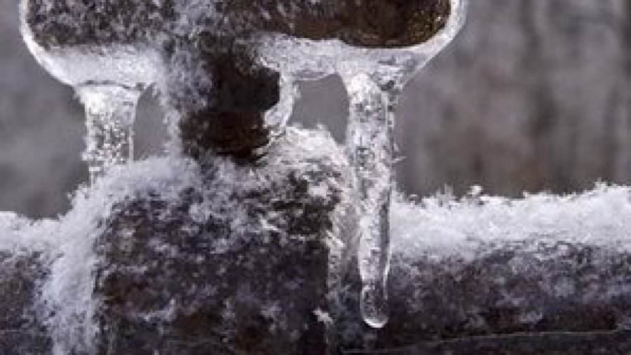 Protecting Pipes from Winters Bone Chilling Freeze